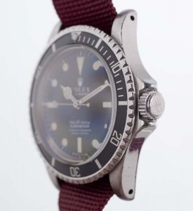 Rolex 5512 Submariner angle view