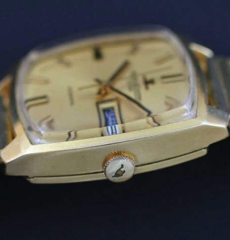 Jaeger LeCoultre crown