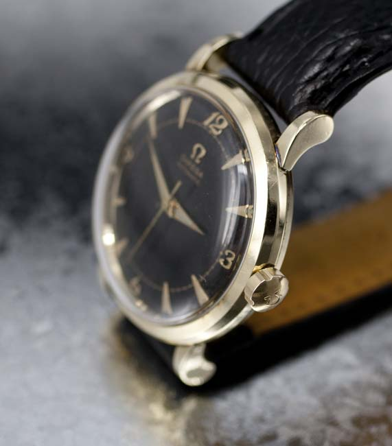 Omega Bumper automatic crown